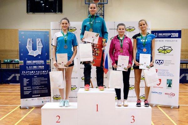 Zľava: Lucia Truksová, Ľubica Barčiaková, Veronika Baloghová, Zuzana Takáčová.