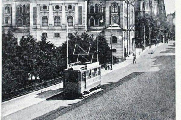 Električky na Hlavnej ulici. Dnes sú už minulosťou.