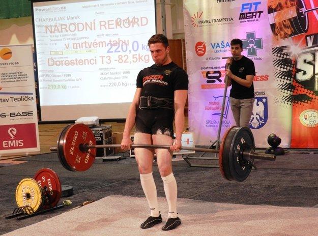Marek Charbuliak vytvoril v kategórii dorastencov do 82,5 kg nový národný rekord.