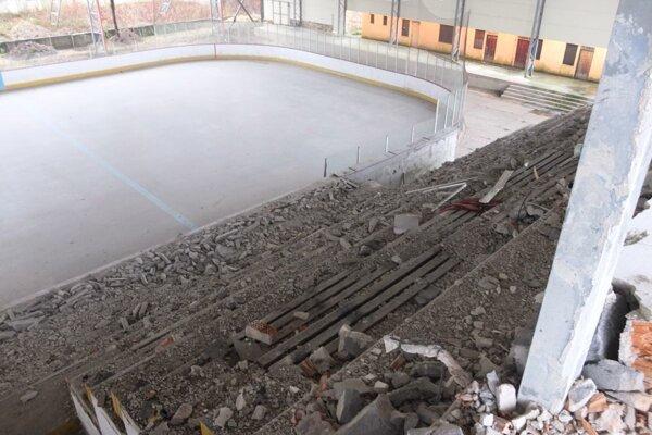 Žiarsky štadión rekonštruujú.
