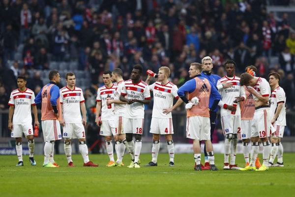 Futbalisti Hamburgeru SV po prehre s Bayernom Mníchov.