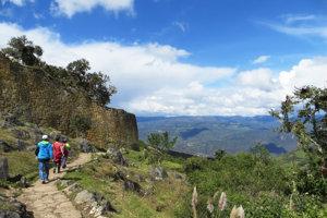 Pevnosť Kuélap, známa ako Machu Picchu severu, dominuje krajine v nadmorskej výške 3 000 metrov.