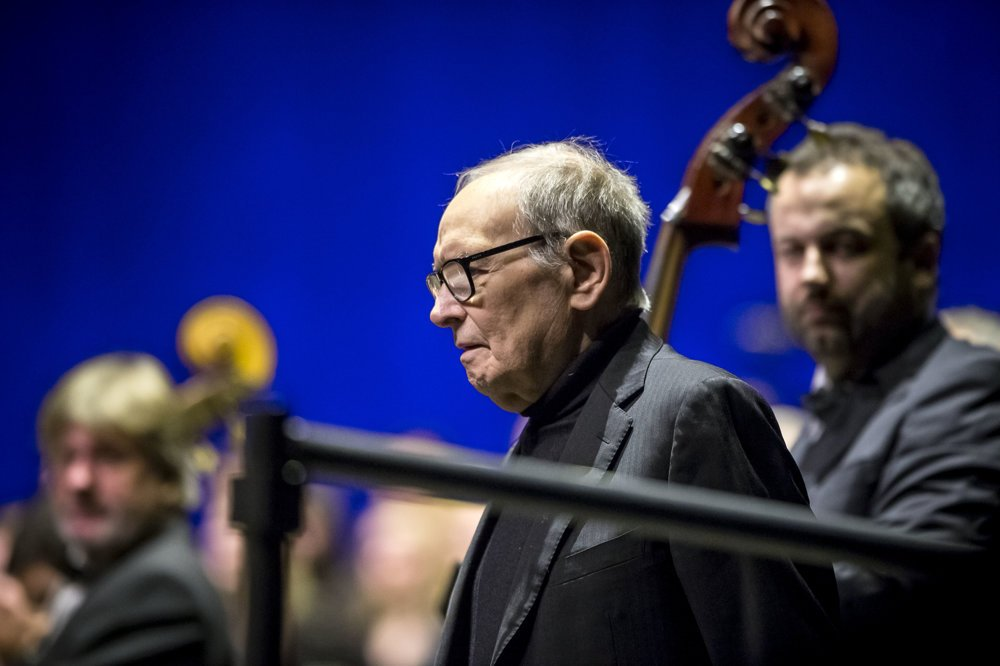 Ennio Morricone počas bratislavského koncertu.