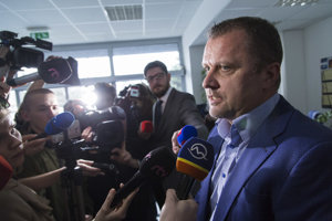 Podpredseda Národnej rady a člen poslaneckého klubu Most-Híd Andrej Hrnčiar.
