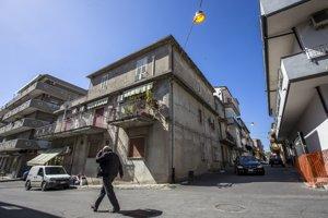 Dom na ulici Via Oratorio, v ktorom Vadala žil predtým než sa presťahoval na Slovensko.
