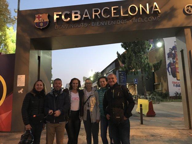 Barbora počas návštevy Camp Nou - štadiónu FC Barcelona