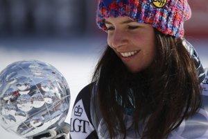 Lichtenštajnská lyžiarka Tina Weiratherová získala malý glóbus za super-G Svetového pohára po finálových pretekoch vo švédskom Aare.