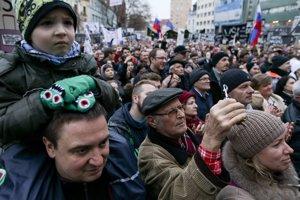4035129a0 Protest v Bratislave 16.3.2018 (42 fotografií)