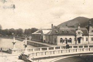 V areáli parných a vaňových kúpeľov kedysi stáli kiná Praha a Partizán.