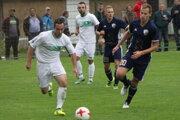TJ Spartak Vysoká nad Kysucou (v bielom) strelila cez víkend osem gólov.