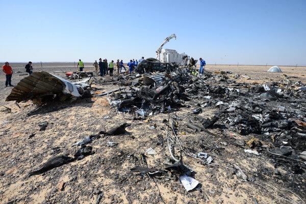 Rusko pozastavilo lety do Egypta po páde ruského lietadla nad Sinajom.