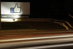 Aféra so zneužitím dát asi 50 miliónov užívateľov na politické ciele môžu Facebooku uškodiť.
