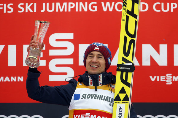 Kamil Stoch oslavuje triumf v Planici.