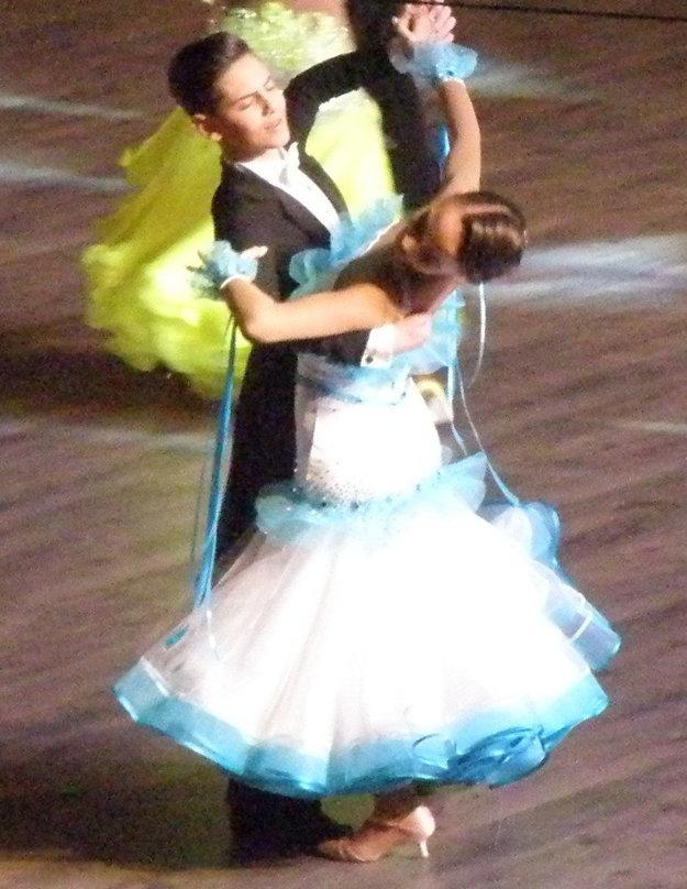 Novozámocký juniorský pár Tamás Kristóf Kis aMária Nagyová si na domácich M-SR vytancoval druhé miesto.