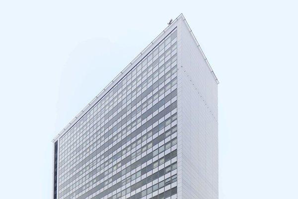 Budova Stavebnej fakulty Slovenskej technickej univerzity v Bratislave.