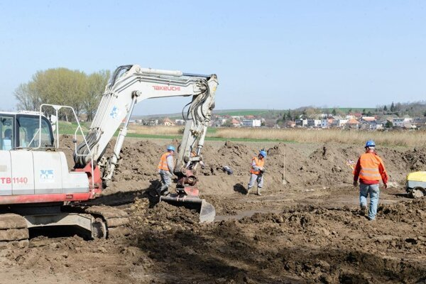 Stavebné práce v Cigli, Sebedraží a Koši nezačali.