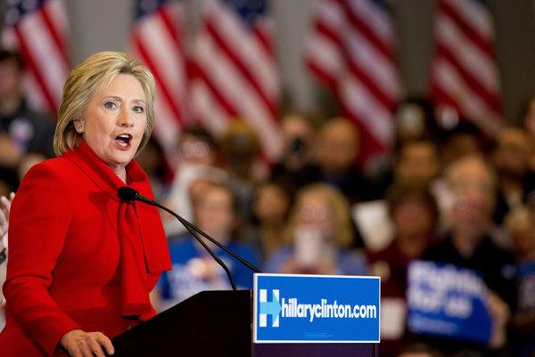 Hillary Clintonová je víťazkou demokratov v Iowe.