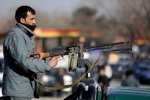 Príslušník afganských bezpečnostných síl.