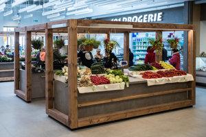 Petržalská tržnica je už otvorená.
