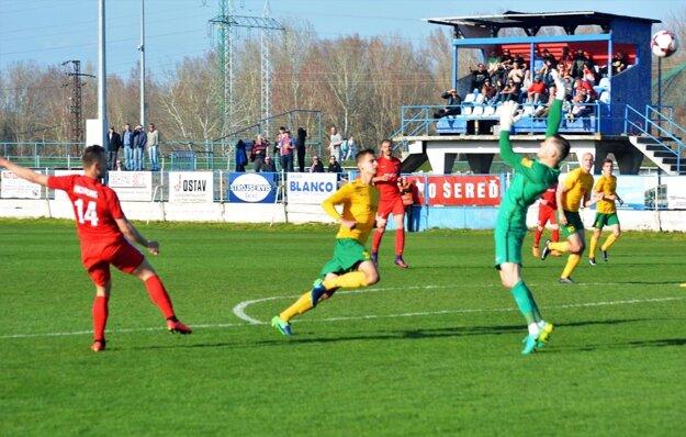 Adam Morong preloboval žilinského brankára Mandousa a strelil svoj štrnásty gól v sezóne.