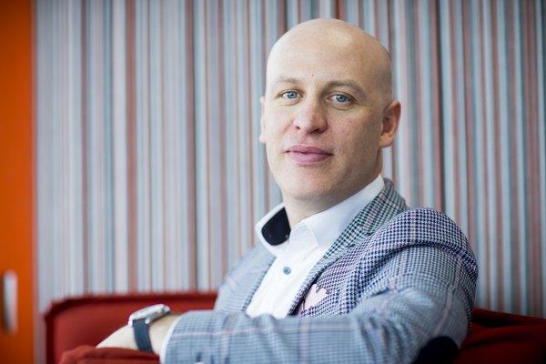 Petr Lukasík, šéf Tieto, tvrdí, že firmy ba mali pomáhať školám so vzdelávaním.
