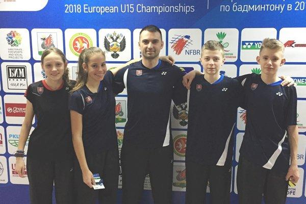 Miloslav Čuntala so zverencami na ME. Zľava Telehaničová, Slosiariková, Suchý a Kadlec.