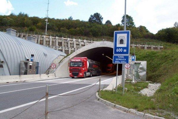 Polícia upozorňuje na ďalšiu úplnú uzávierku tunela v Čadci – Horelici.