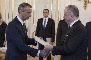 22. marec 2018. Prezident SR Andrej Kiska a novovymenovaný podpredseda vlády SR pre investície a informatizáciu Richard Raši.