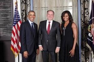 Prezident Kiska s prezidentom USA a prvou dámou.