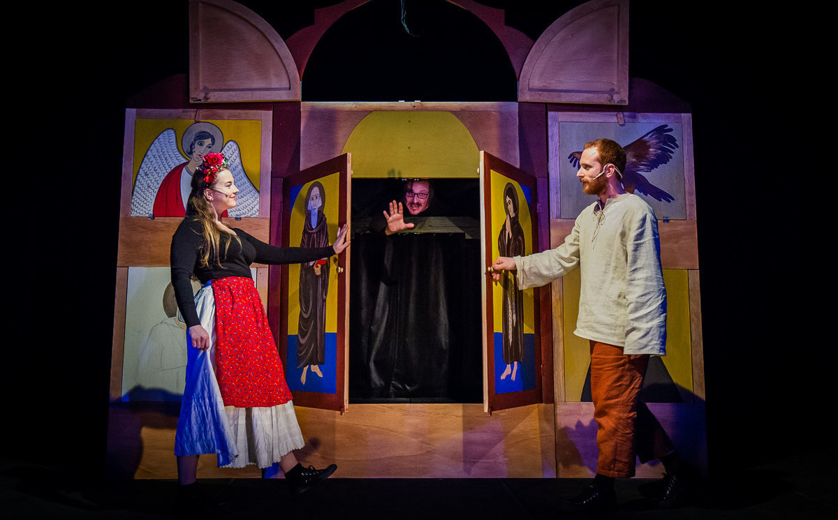 8b735adbb Tento týždeň si môžete v Starom divadle pozrieť hru Legenda o Svoradovi a  Benediktovi.