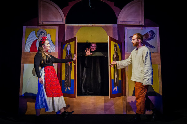 Tento týždeň si môžete v Starom divadle pozrieť hru Legenda o Svoradovi a Benediktovi.