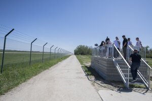 Na bratislavskom letisku M.R. Štefánika otvorili pozorovateľňu pre verejnosť a fanúšikov fotografovania lietadiel.