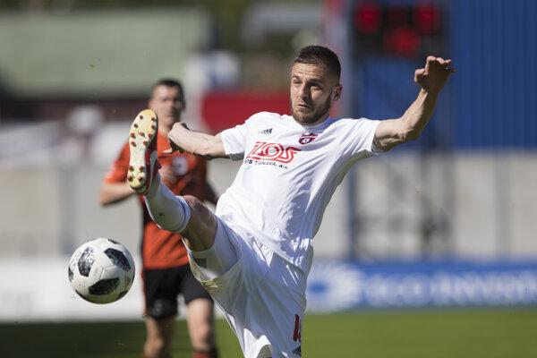 Na snímke Anton Sloboda (Trnava) v zápase 6. kola skupiny o titul futbalovej Fortuna ligy MFK Ružomberok - FC SPartak Trnava v Ružomberku