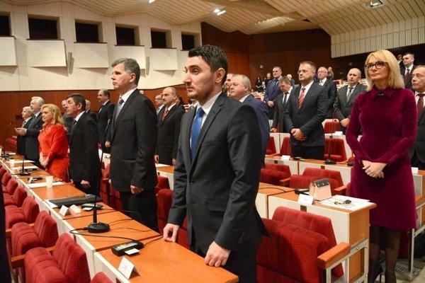 Poslanecký zbor KSK bude v pondelok rokovať o rozpočte.