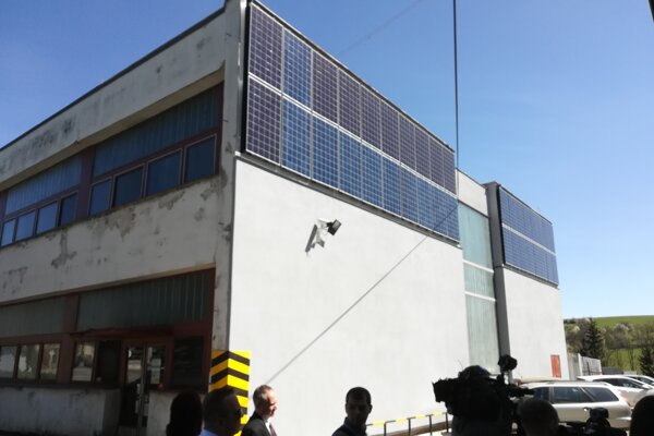 Solárne fotovoltické panely na kotolni.