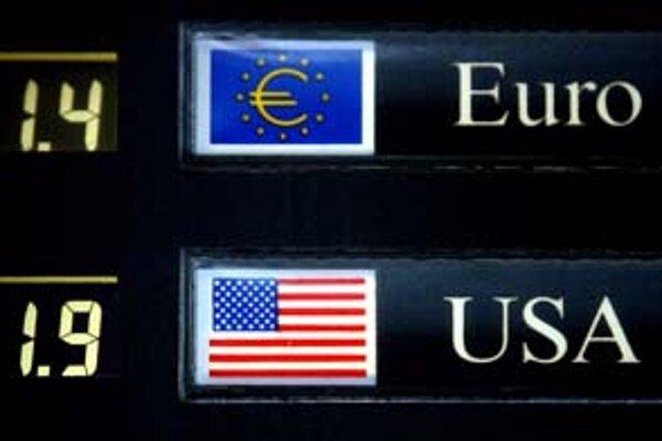 Kým na kúpu britskej libry stačilo v apríli 1,4 eura, Američania si museli priplatiť viac.