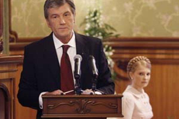 Viktor Juščenko a Julia Tymošenková. Už zas sa nemajú radi.