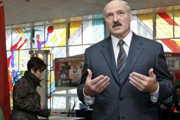 Lukašenko si to nerozmyslel, opozíciu v parlamente nechce.