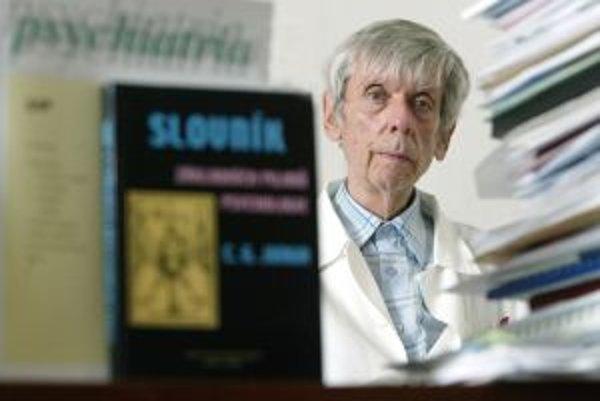 Ivan Žucha (1935 - 2009) bol psychiater a spisovateľ. Žil v Bratislave, kde bol profesorom psychiatrie na Lekárskej fakulte Univerzity Komenského. Knižne napríklad vydal Fragmenty, Zápisník psychiatra, Zápisník II. a Kompost. S Ivanom Hulínom publikoval k