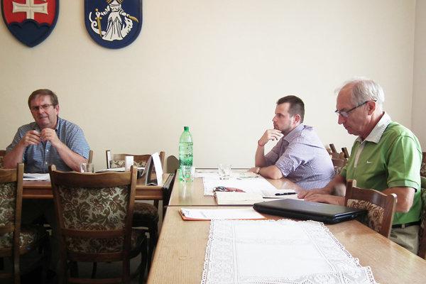 Z rokovania finančnej komisie v Púchove.