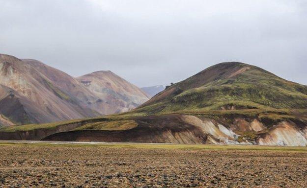 Pestrofarebné kopce v Landmannalaugar.