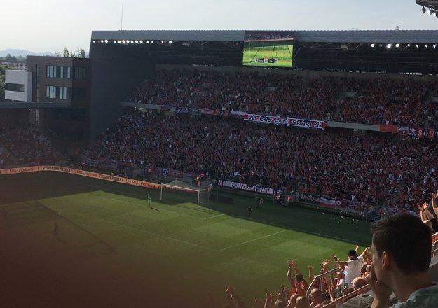 Atmosféra je na štadióne neuveriteľná.