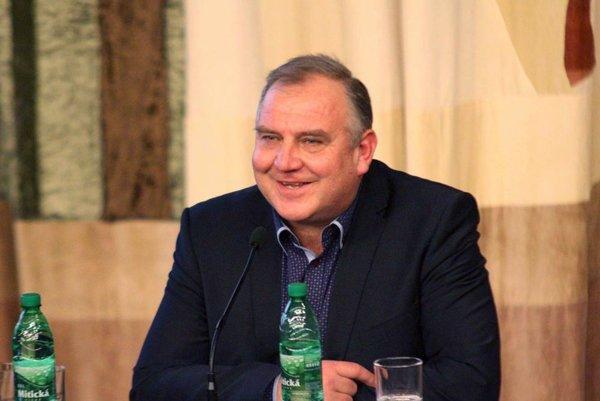 Novým predsedom ZsFZ sa stal Pavol Šípoš, bývalý ligový rozhodca a aktuálne predseda ObFZ v Topoľčanoch.