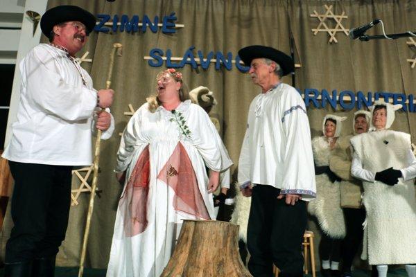 Kubko s Maťkom z Večerníčka ožili vďaka Folklórnemu súboru Sielnika z Lazian.