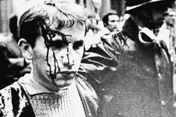 Francúzske nepokoje v '68 sa začali ako vzbura študentov. Onedlho protestovala celá krajina.