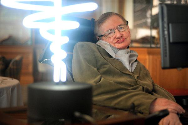 Popredný britský teoretický fyzik Stephen Hawking.