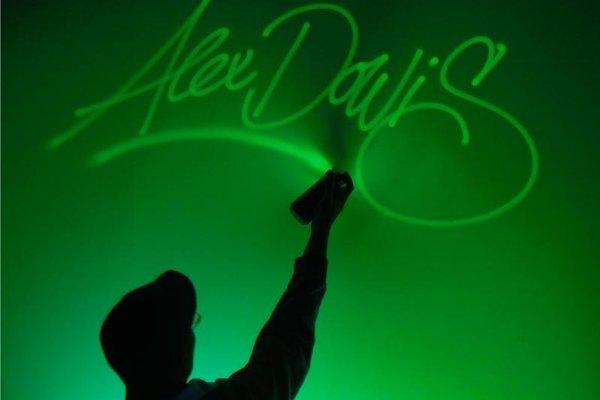Na prehliadke bude aj atraktívne light-artové vystúpenia Alexa Dowisa.