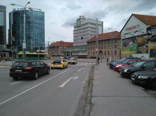 Zo Zižkovej bude možný  vjazd na Štúrovu od soboty namiesto dvoch pruhov už len cez jeden.