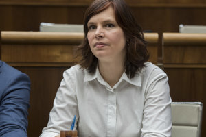 Veronika Remišová rozkrýva systém agrodotácií.