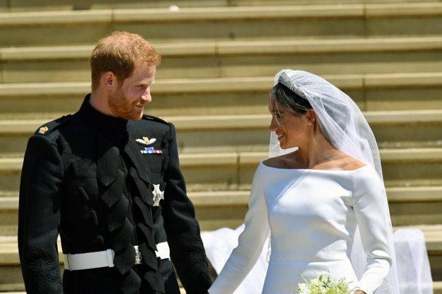 Harry a Meghan po svadobnom obrade.